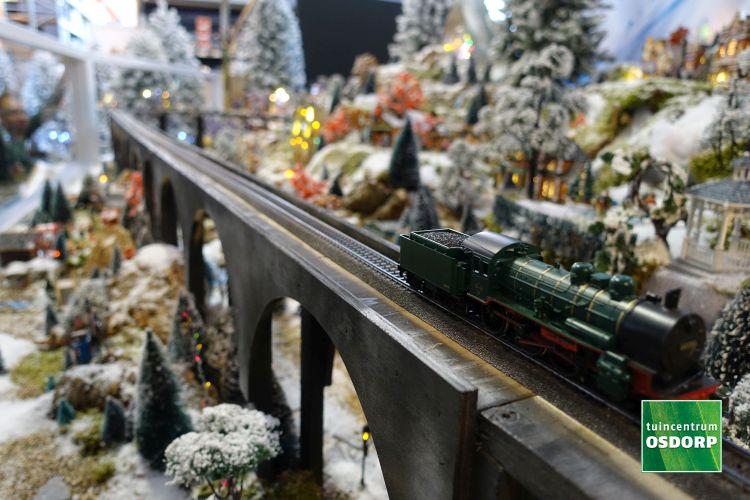 Lemax trein in kerstdorp tuincentrum Osdorp 2017