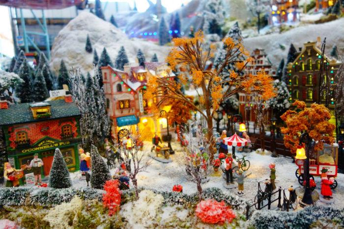 Lemax Amsterdamse gracht in het kerstdorp van Osdorp 2016