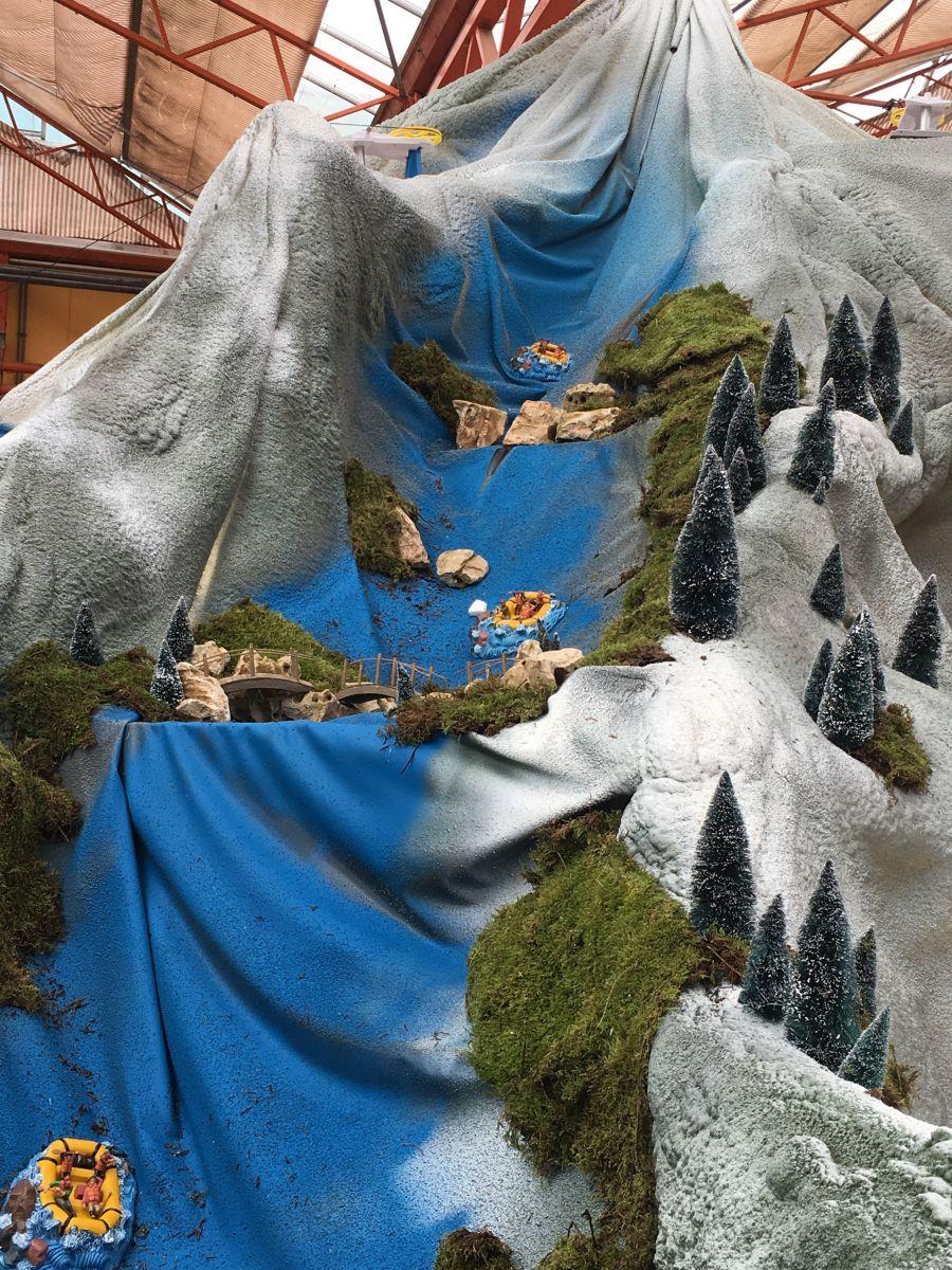 Lemax kerstdorp waterbaan met rafters