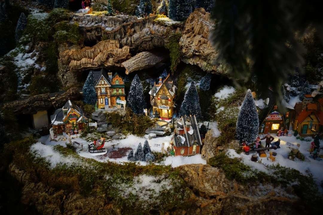 Berglandschap voor kerstdorp maken